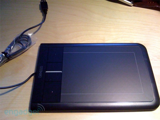 wacom bamboo touch Wacom Bamboo Touch   kuin suuri touchpad monelle sormelle