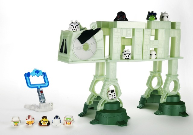 Hasbro Angry Birds Star Wars AT AT Battle Game thumb 640x449 Angry Birds Star Wars tulossa marraskuussa